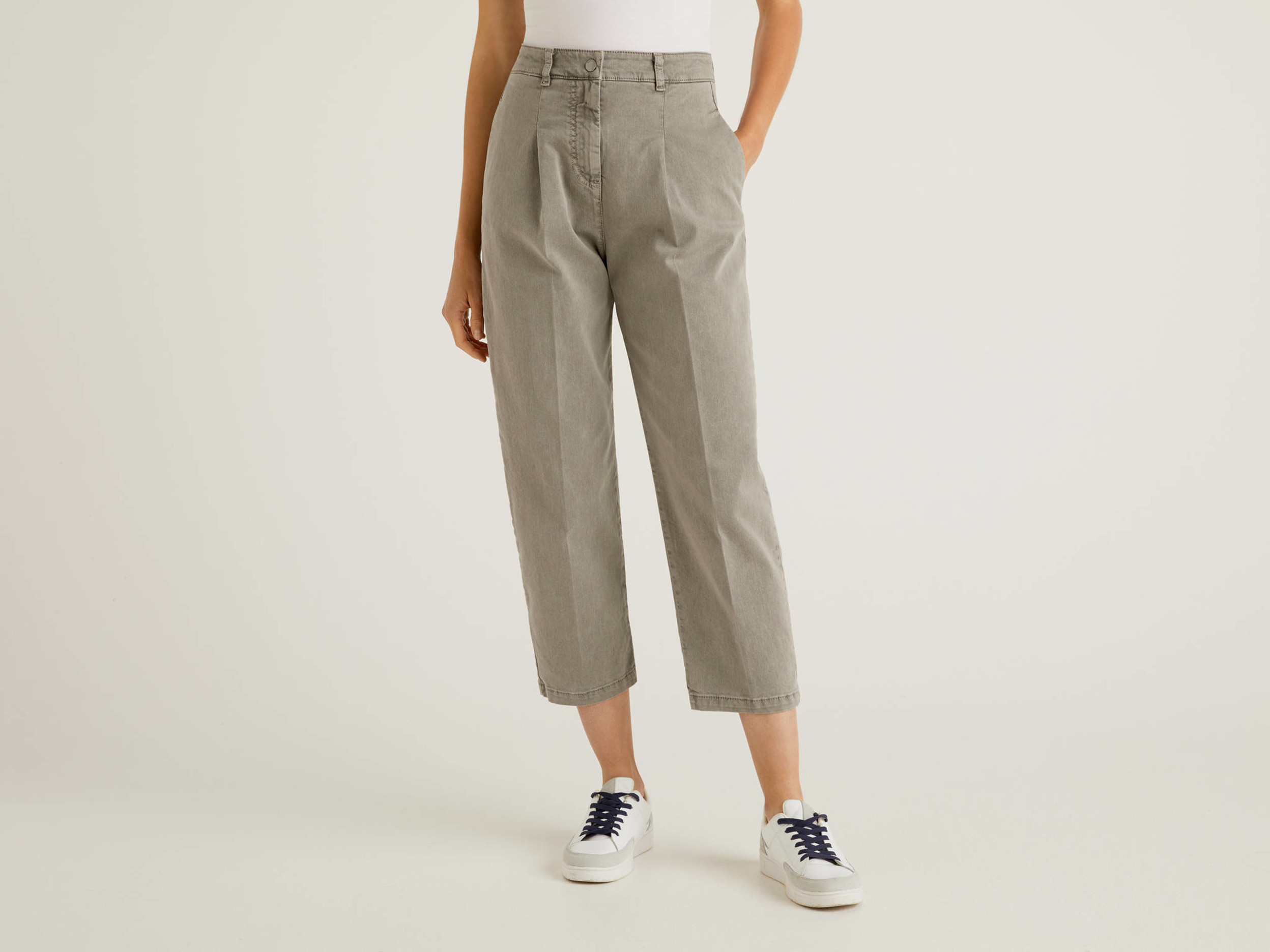 Benetton, Carrot Fit Trousers With Pleats, size 48, Gray, Women