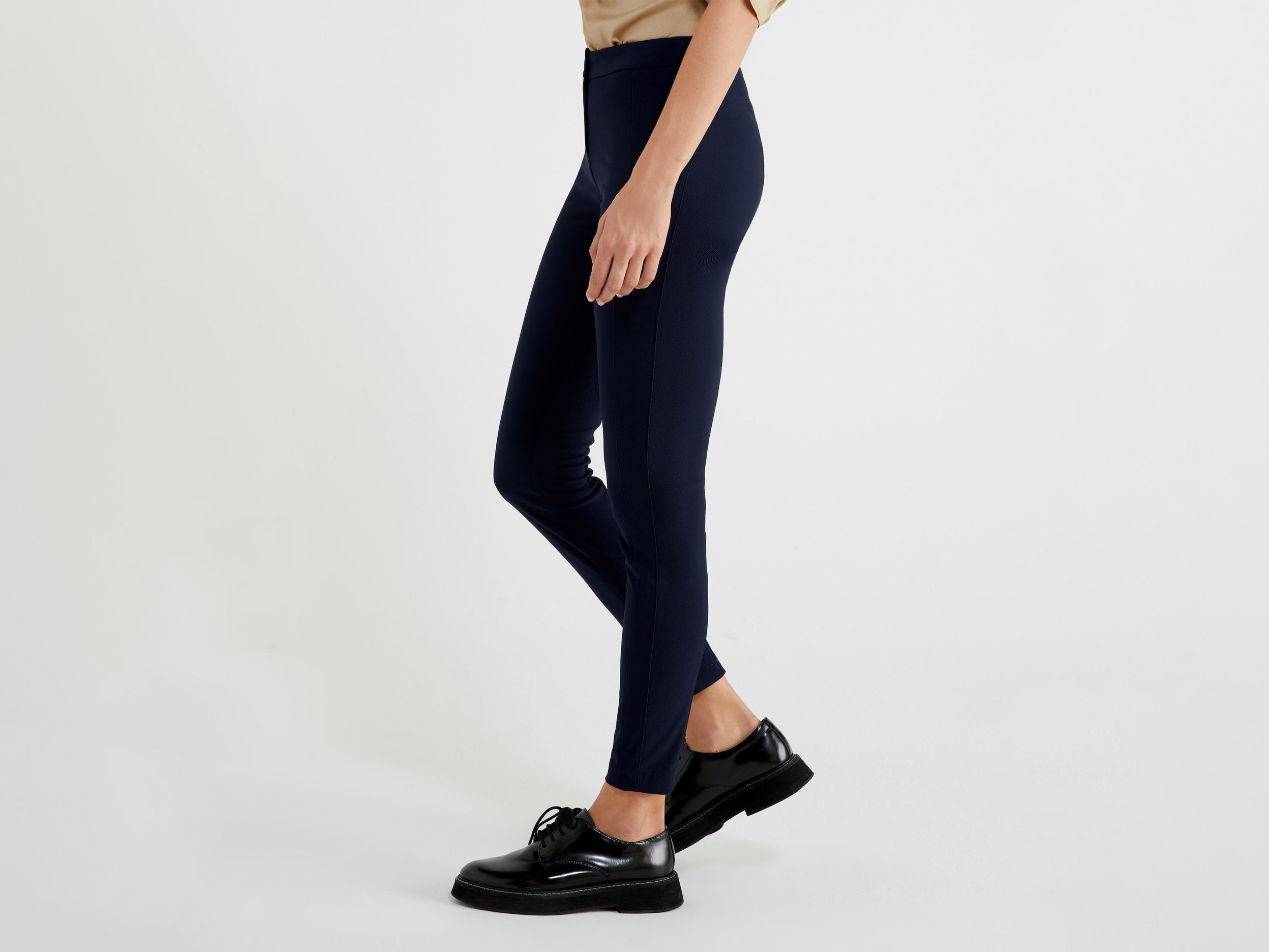 UNITED COLORS OF BENETTON Benetton, Bi-stretch-jeggings, taglia 48, Dunkelblau, Damen | UNITED COLORS OF BENETTON SALE